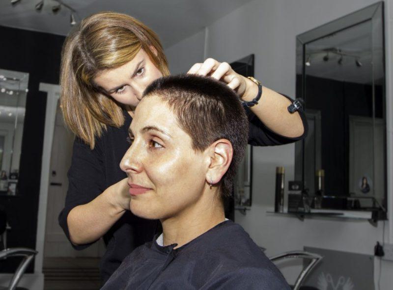 初の婚活パーティー1-2 かわいい美容師さん